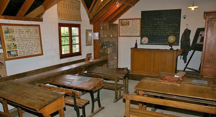 Ecole (2)